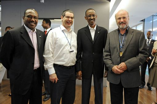 Dr Hamadoun Touré, ITU Secretary-General and Vice-Chair of the Broadband Commission for Digital Development; H.E. Mr Paul Kagame, President of Rwanda, Co-chair of the Broadband Commission for Digital Development; and participants of the First Broadband Commission of Digital Development meeting